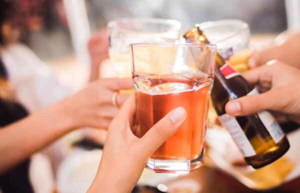ควรดื่มแอลกอฮอล์อย่างไร
